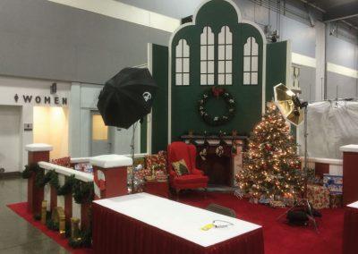 2016-christmas-exhibit-photos-with-santa