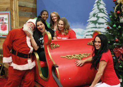 2017-christmas-promo-santas-sleigh-photo-bomb