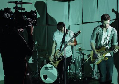 alive-like-me-searching-for-endings-music-video-behind-the-scenes-01