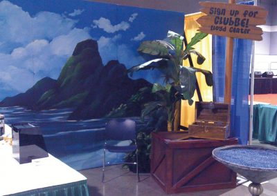 portland-expo-center-exhibit-booth-kids-day-interactive-pirate-dig-for-treasure