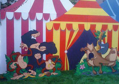 portland-rose-festival-decorations-set-dress-kids-area-photo-op-characters